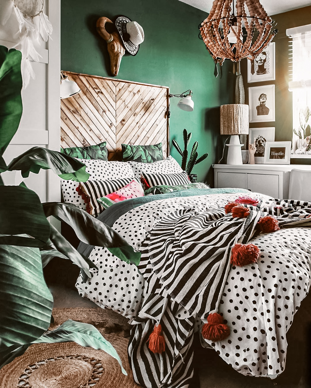 30-dreamy-green-bedrooms-ideas-2020